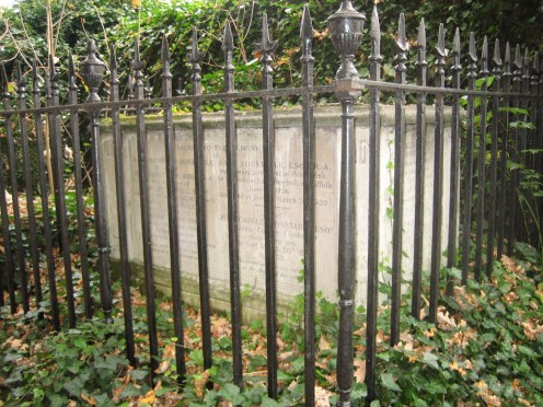 Permission is granted to copy, distribute and/or modify this document under the terms of the GNU Free Documentation License,  See: http://en.wikipedia.org/wiki/File:Constable_tomb.JPG