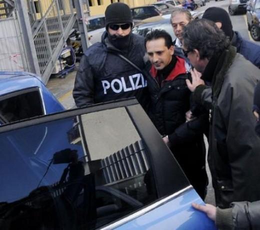 L'arresto di Pasquale Manfredi – Italian press, no attribution given