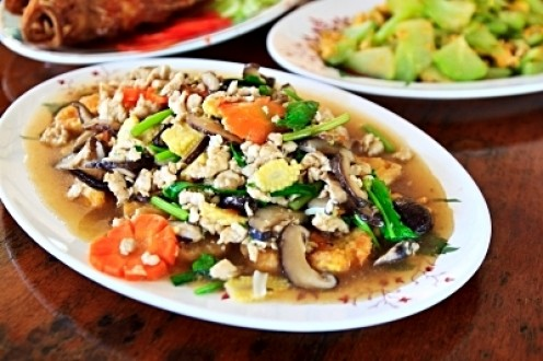 Chinese foods can be very healthy and can even facilitate weight loss.