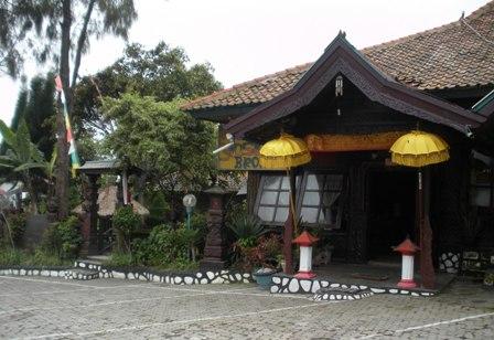 Yoshi Hotel.