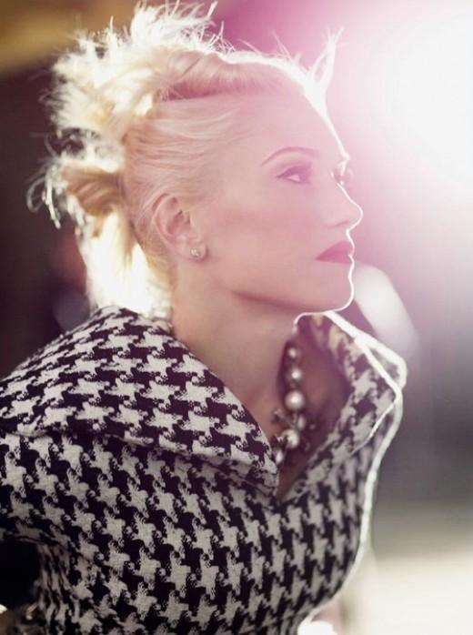 Gwen Stefani looking elegant in houndstooth.