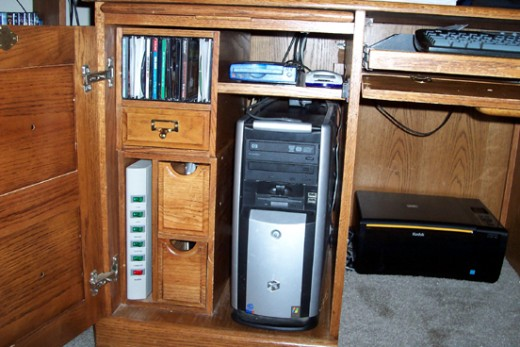 Decided to put the scanner down here over the CPU. There was enough clearance to set the device on a shelf there.