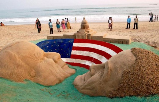 John McCain and Barack Obama's sculpture showing a tough fight in US elections.