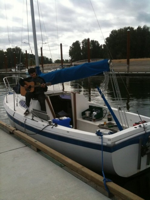 A morning at a public dock on the Columbia River.  Guitar, Boat, Stove ... what else could you ask for!  This was with my first boat, a Columbia 22'.