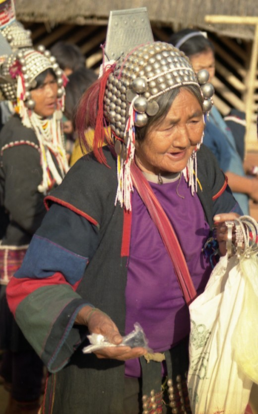Akha women selling handicrafts to trekkers