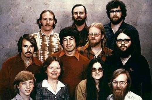 1977: Starting from left to right,   Front row: Bill Gates, Andrea Lewis, Marla Wood & Paul Allen   Centre row: Bob O'Rear, Bob Greenburg, Marc McDonald & Gordon Letwin   Back row: Steve Wood, Bob Wallace & Jim Lane