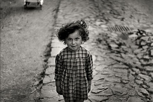 Photo of a young Jewish girl in the 1930s by Vishniak