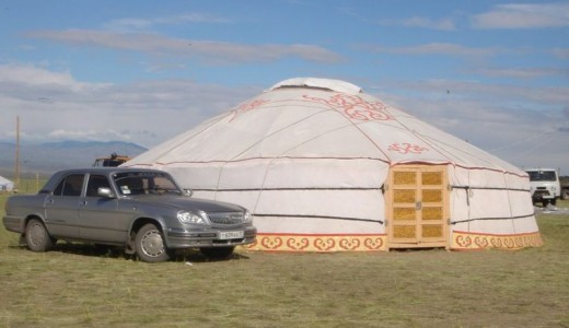 Yurt at the Naadym festival at Tos-Bulak