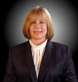 Troy Mayor, Janice Daniels