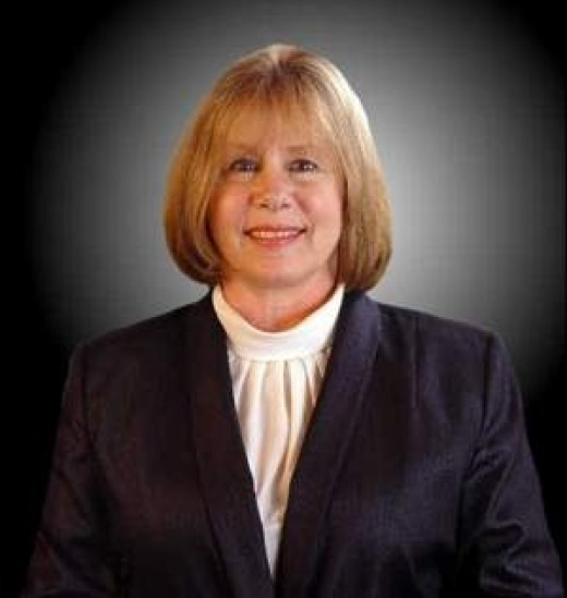 Troy Mayor, Janice Daniels