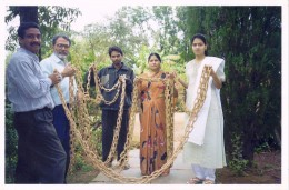 102 feet long joint less chain held by the artist Mr. Chopkar(extreme left) and his family members