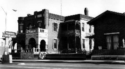 The LeVert mansion, now destroyed due to Bankhead Tunnel construction.