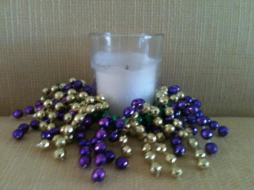 These beaded candle embellishments are easy to make and can be adapted to ornaments too.