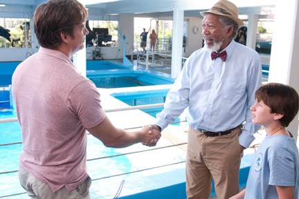 "Connick and Freeman reach an agreement in ""Dolphin Tale."""