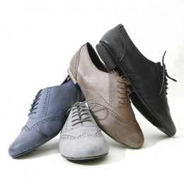 Oxford shoes originated in England. They look amazing paired with skinny jeans, a skirt, a dress,  and shorts!
