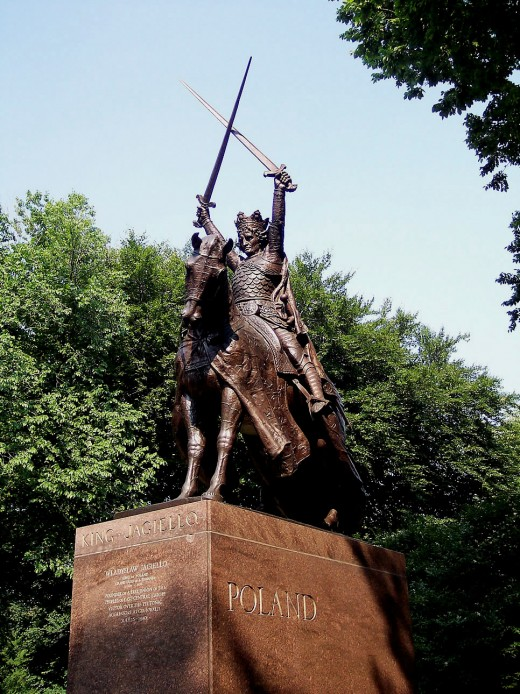 A statue of the first owner of the Bialowieza Puszcza, located in Central Park, New York