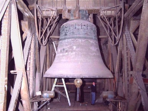 Cologne Cathedral, The Bell dedicated to St Peter, patron of the Cathedral, known as Petersglocke, one of the largest bells western world