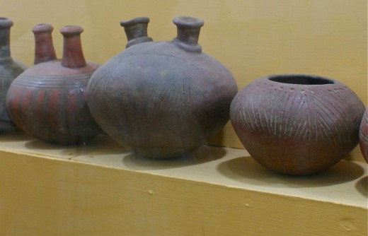 Pots from the Bagaces Period.  Why do they have two raised openings?