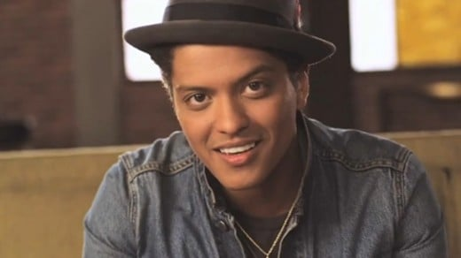 "Bruno Mars wins People's Choice Award for ""Favorite Male Artist"""