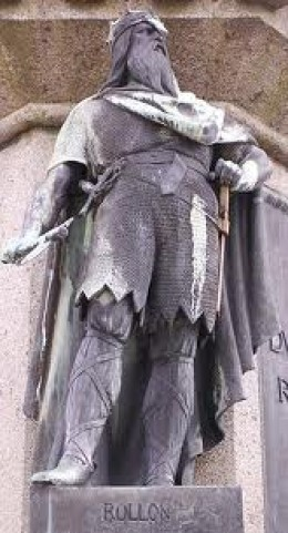 Statue of 'Ganger'-Hrolf in Normandy - he was first made Count of Rouen
