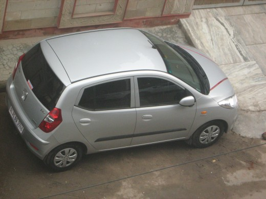 Hyundai i10 Magna Sleek Silver Color