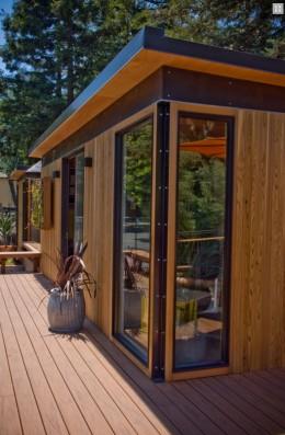 The four full-height windows in this Studio Cabana let in plenty of light.