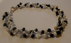 Dotty Bracelet - A Free Jewellery Making Tutorial.