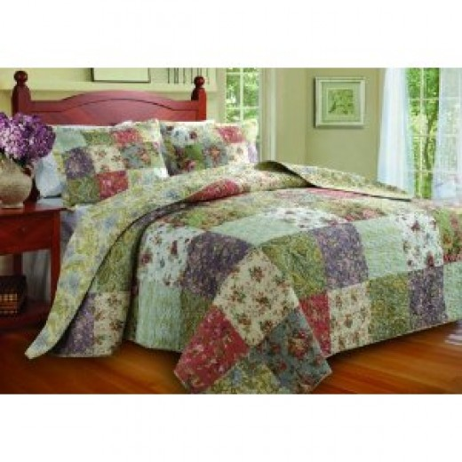 This Greenland Home Blooming Prairie bedspread would make a lovely toddler bed set.