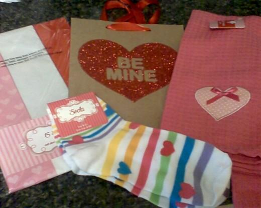 Tissue paper, gift bag, towels, socks