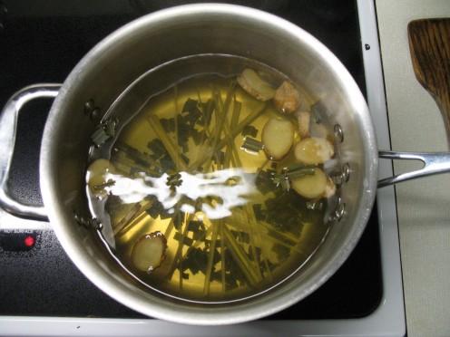 Making Ginger & Lemongrass Tea