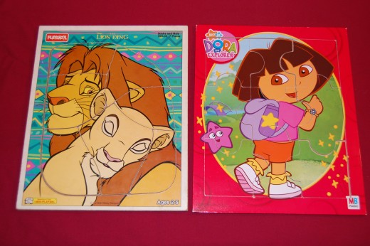 7-piece Lion King, and 9-piece Dora non-connecting puzzles
