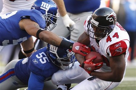 The Giants dominated the Falcons on their home field during the opening weekend of the 2012 playoffs.