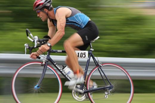The right equipment for a triathlon bike leg