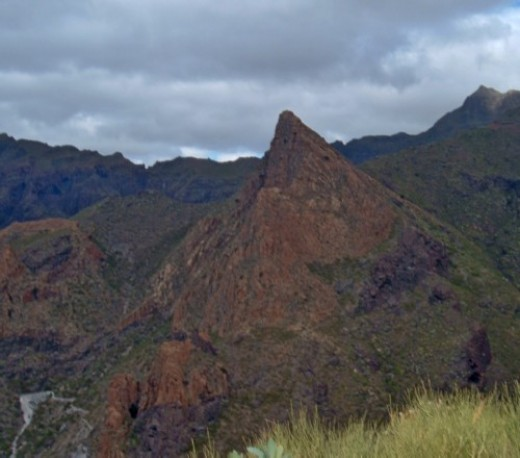 A mountain view of Risco Blanco from Cruz de los Misioneros. Photo by Steve Andrews