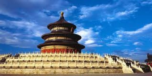 TianTan,(Chinese name) the magnificent and colorful Temple of Heaven, was established in 1420 during the reign of Ming emperor YongLe (reign: 1403-1424) Specifically for the emperor used to that god, bless his subjects of a feudal ruler, generation p