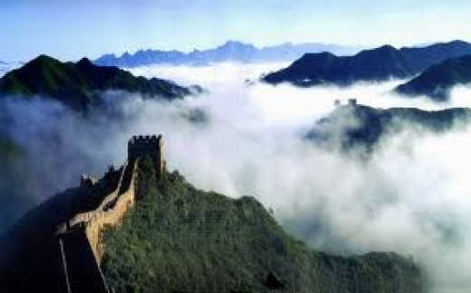 A huge, serrated wall twists and turns it's way to the east and west along the rugged mountains. This is the Great Wall. The earliest northern tribal resistance of the qin dynasty military defense project. Legend, is the only country in the world can