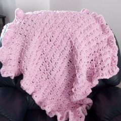 Broomstick Lace Ruffled Baby Blanket - Free Crochet Pattern