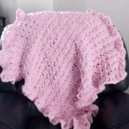 Broomstick Lace Ruffled Baby Blanket - Free Crochet Pattern