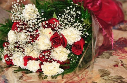 Send flowers to your partner as a symbol of your intention to reconcile.