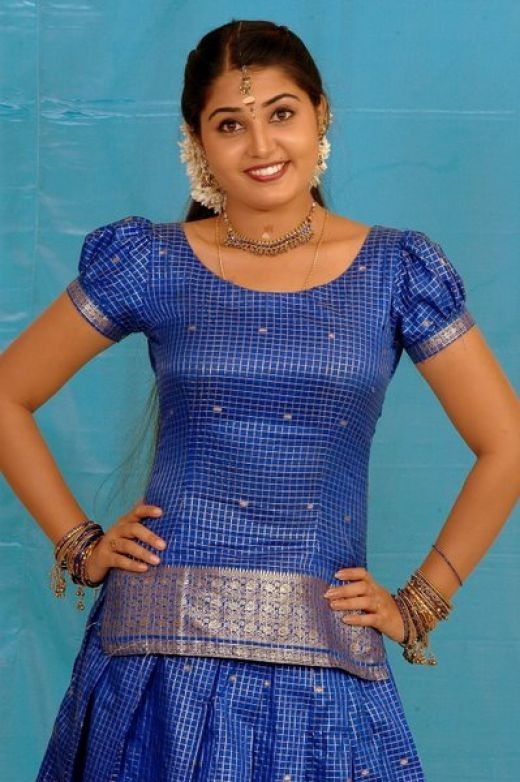 A beautiful girl form kerala in typical mallu dress