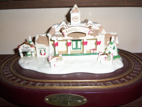 The 2002 holiday express train village by Avon