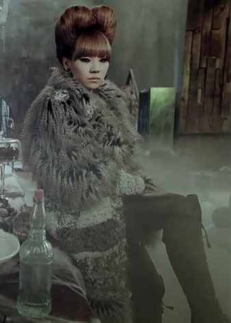 2ne1 it hurts mv CL photo