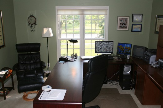 A clutter free office