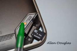 MicroSD card slot on the Nook Tablet