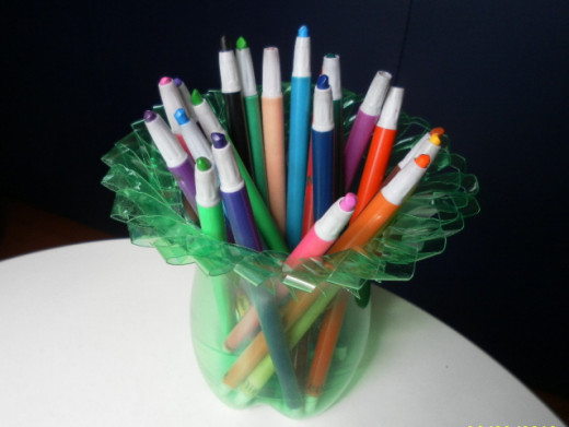 Great holder for crayons and pencils.