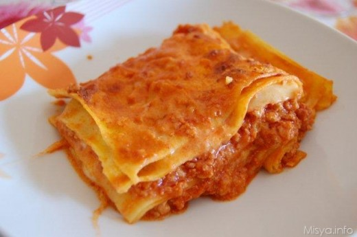 This meat sauce is perfect to be used in lasagna as well.