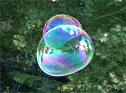 Soap bubbles illustrating iridescent colors. Taken at Traquair House, Scotland by BDB (user name Tagishsimon.)