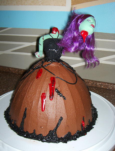Zombie Barbie cake made by Summer (sustarr02)