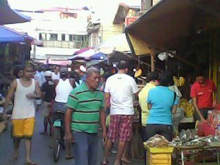 The public market @La Huerta, Paranaque City, Manila (Photo by Travel Man)