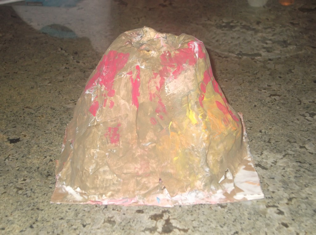 How to Make a Paper Mache Volcano WWRgtgTT